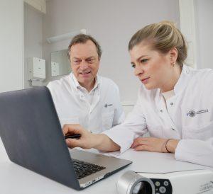 Das Bild zeigt die Ärztin Dr. Jungclaus.